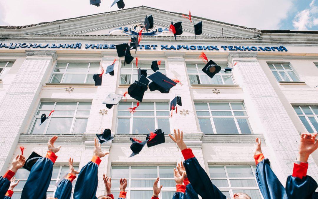 9. Penser l'avenir autrement : l'Education